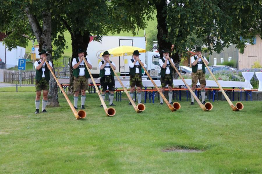 Dorfwettbewerb Alphornbläser
