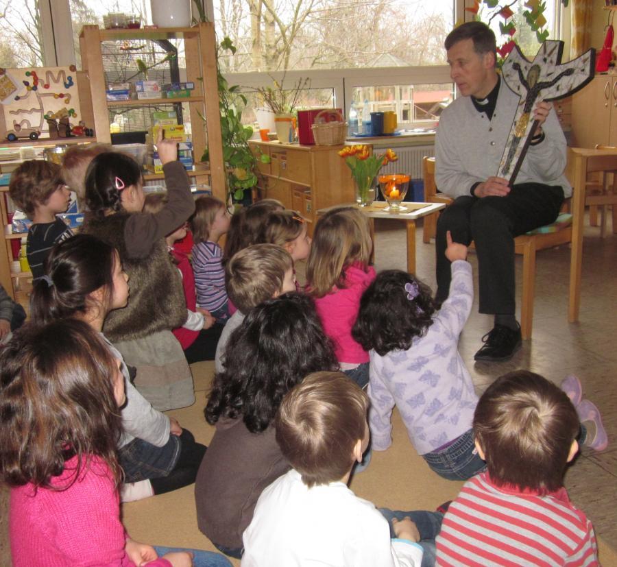 Pfarrer und Kinder