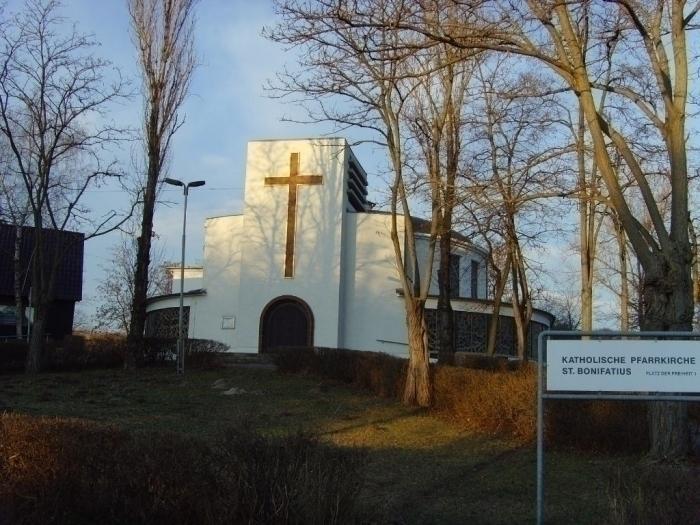 katholische Kirche am Platz der Freiheit