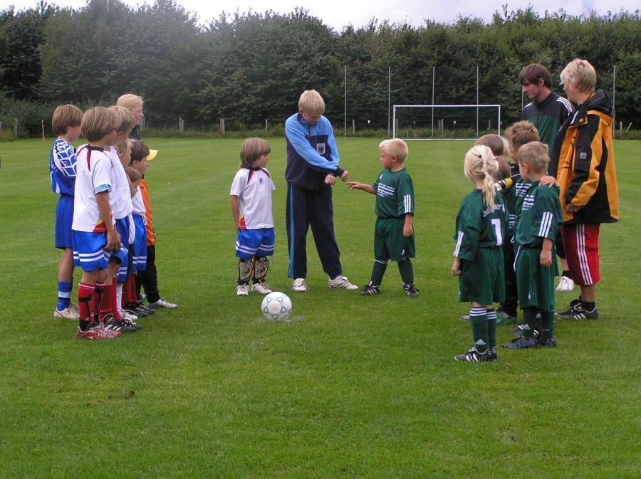 Bild: Kinderfußballmannschaft 2006; Quelle: Sport- und Spielkreis