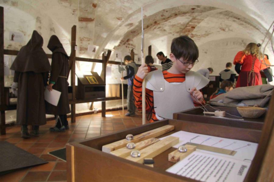 MitMachMittelalter im Museum im Mönchenkloster