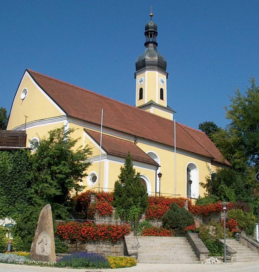 Südansicht Kirche