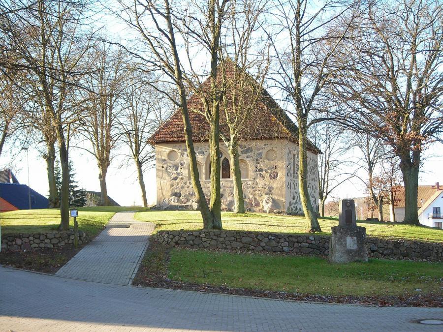 Kirche Tramm (2)