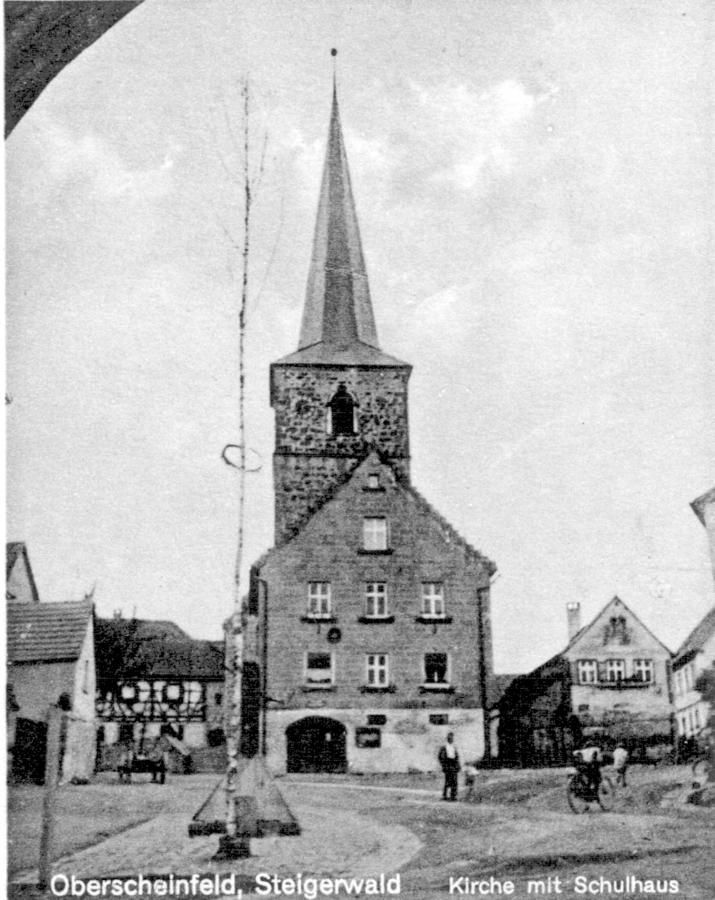 Kirche mit Schulhaus