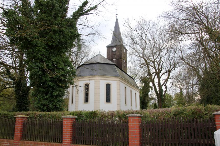 Kirche Schenkenberg