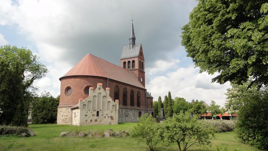 Kirche Stolzenhagen_Foto: L. Galler