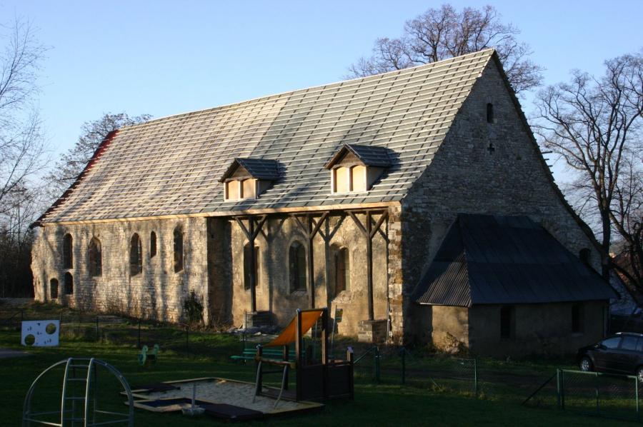 Kirchenschiff vor der Sanierung