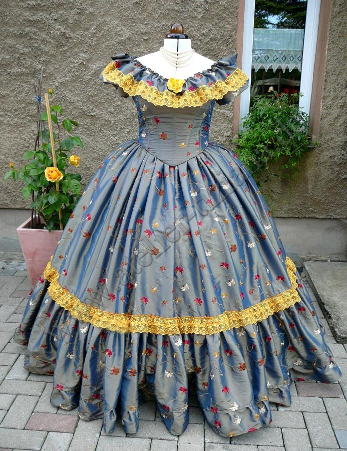Krinolinen Kleid crinoline gown
