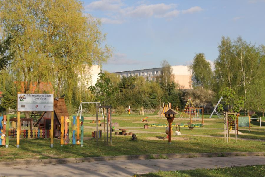 Mehrgenerationenspielplatz