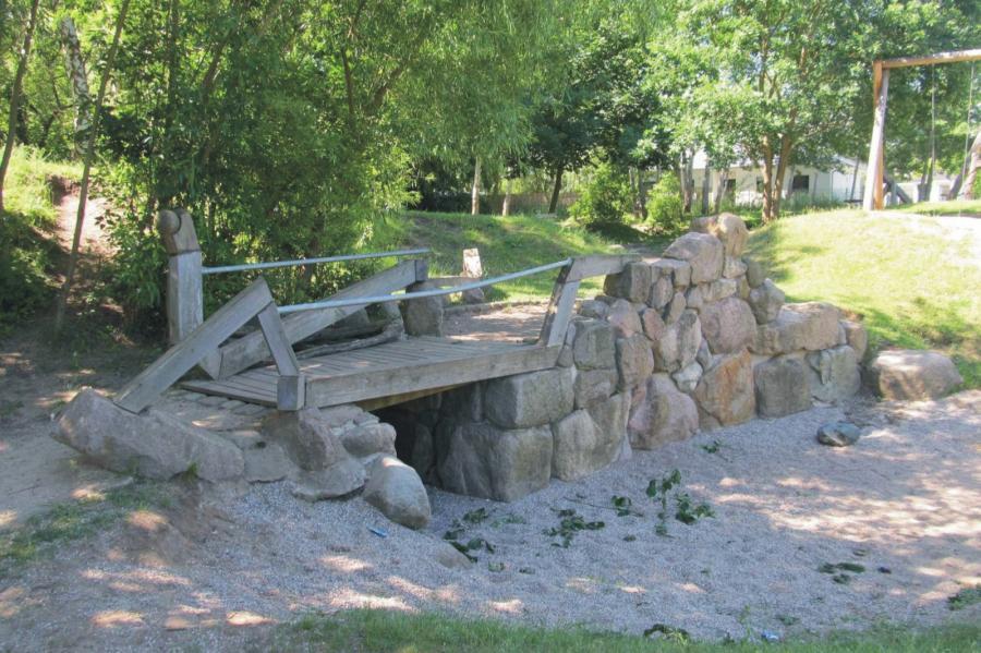 Klosterfelde Spielplatz Geschwister-Scholl-Straße Brücke, Foto: Gemeinde Wandlitz