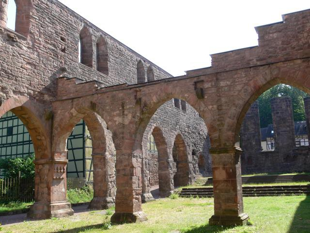 Klosterruine innen