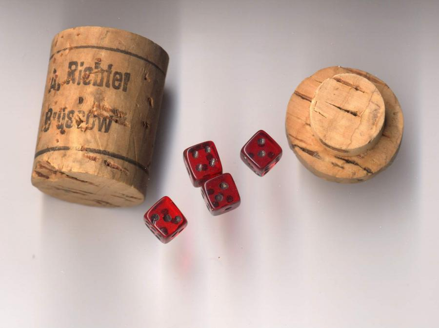 Alrich Korkenwürfelspiel, ©Stephan Becker, Brüssow