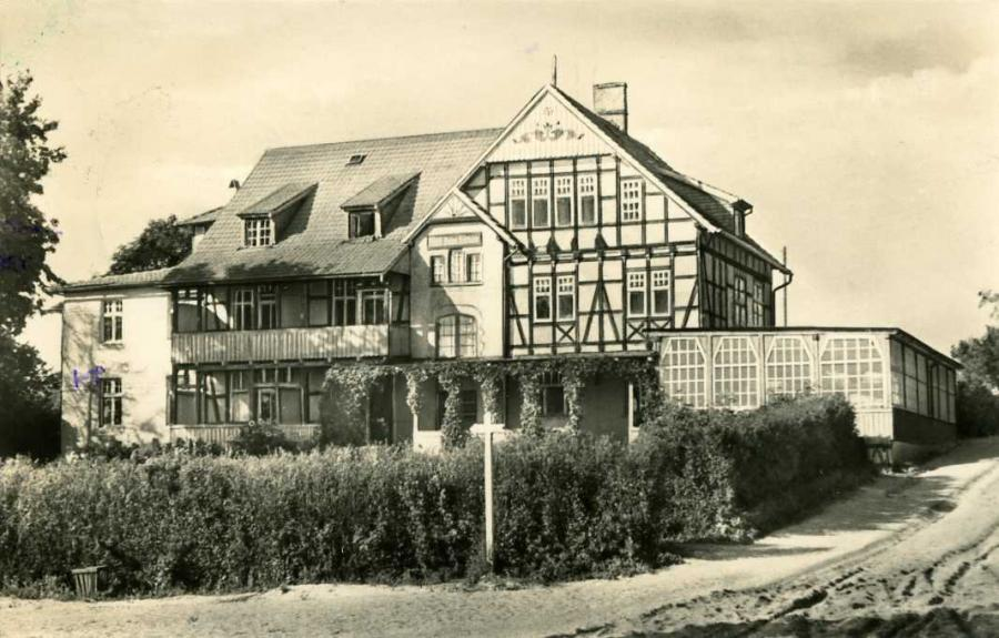 """Koster Hiddensee FDGB-Erholungsheim """"Hitthim"""""""