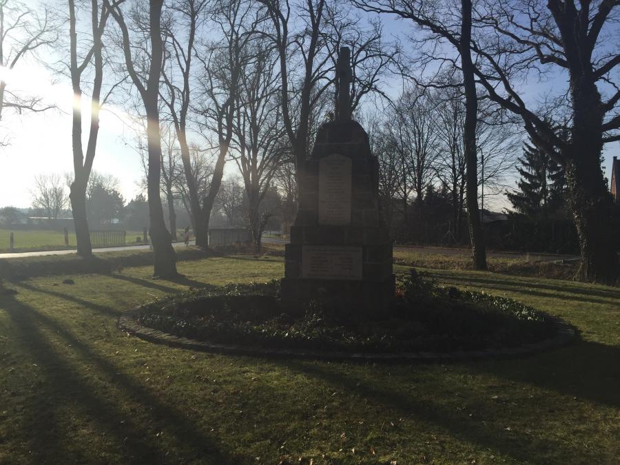 Krieger Denkmal in Zollchow