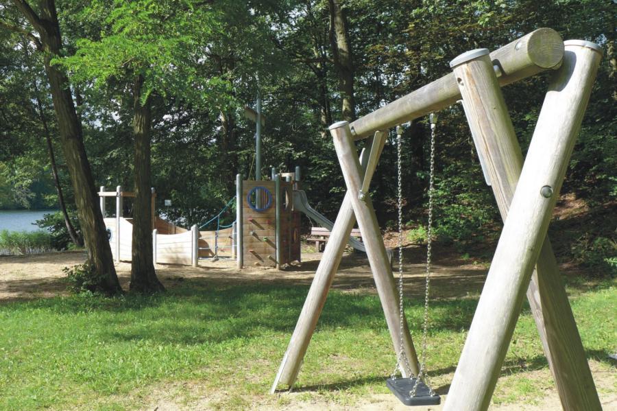 Lanke Spielplatz Am Obersee Schaukel, Foto Galler