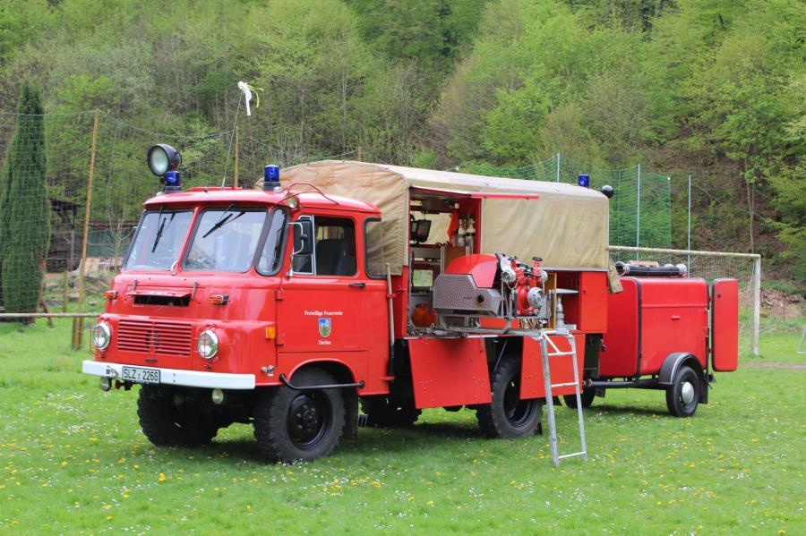 Löschgruppenfahrzeug 8 (Robur LO Fahrgestell) mit Schlauchtransportanhänger (STA)