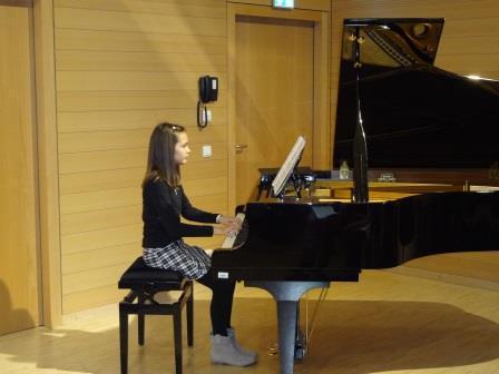 Liv Beyer, Klavier
