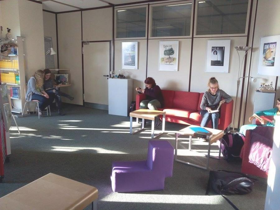 bibliothek lounge