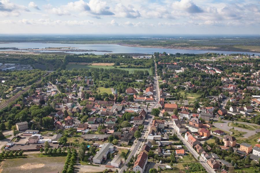 2017 Luftbild D. Laubner Kernstadt und See