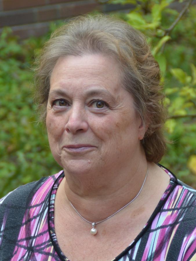 Lydia Warne