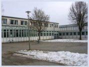 MS Kemnath (Links Fachräume - rechts Verwaltung))