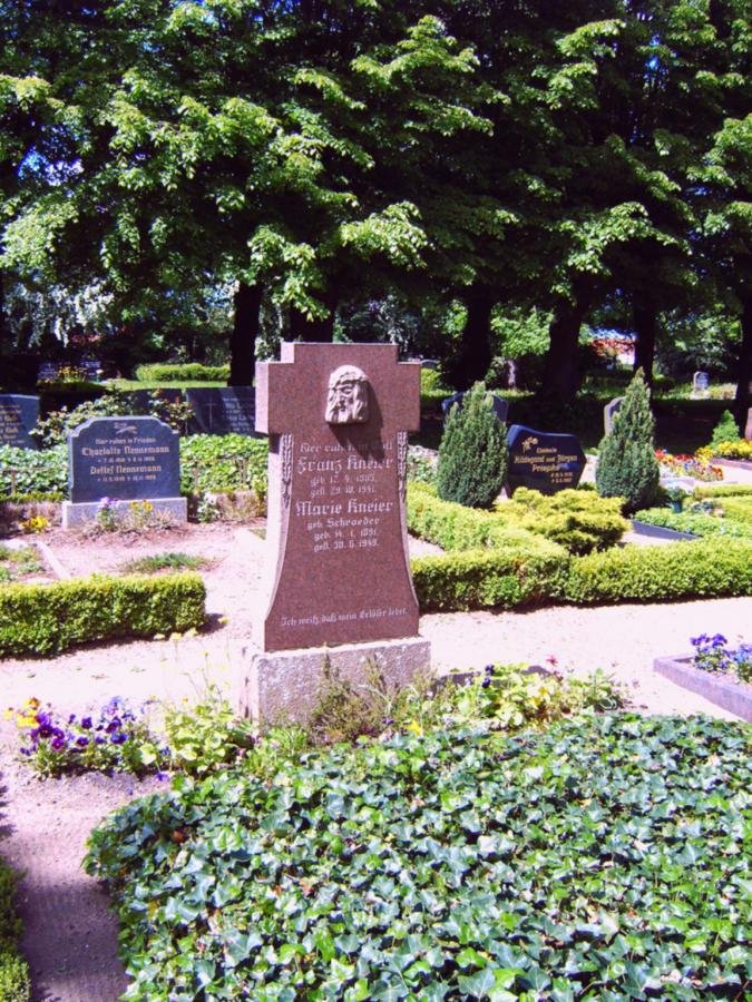 Grabstein Franz und Maria Kneier