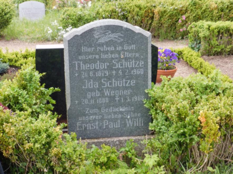 Zum Gedächtnis an Ernst Schütze