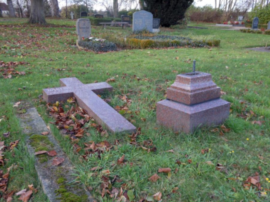 Grabkreuz Hartwig von Levetzow