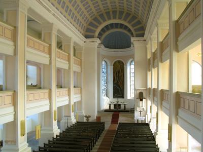 """St. Nicolai-Kirche mit """"Durchbrecher aller Bande"""""""