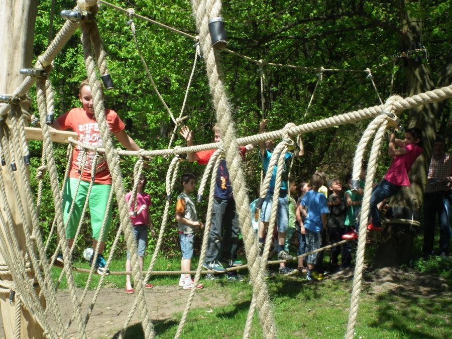 Niedrigseilgarten mit Kindern