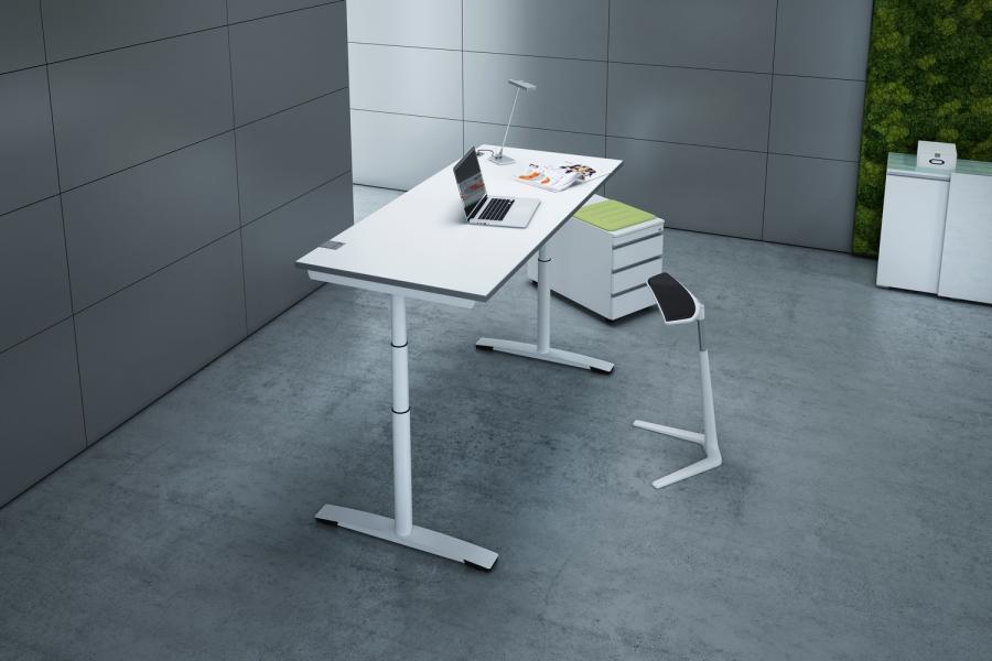 motorischer Tische mit Stehhilfe
