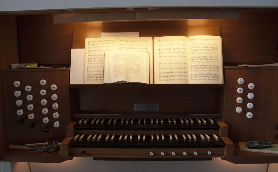 Orgeltisch 2