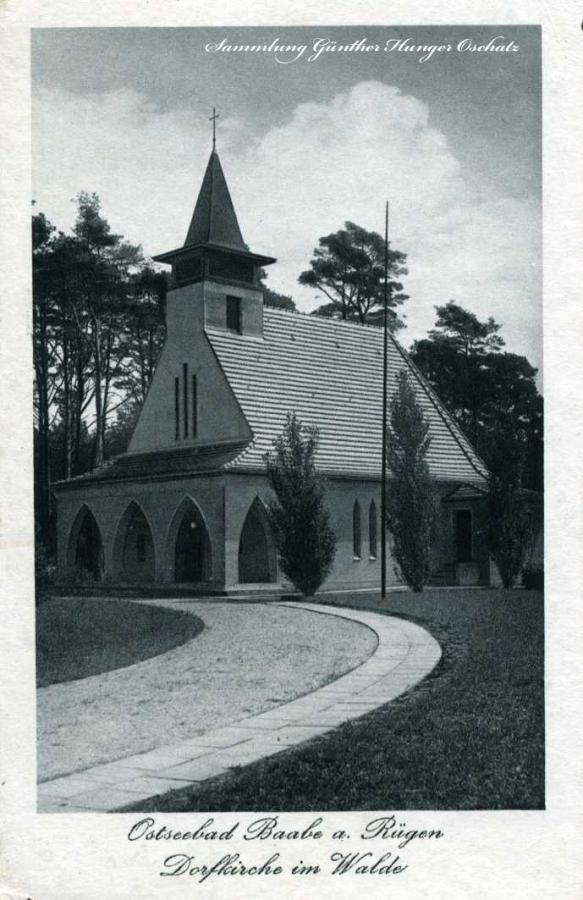 Ostseebad Baabe a Rügen Dorfkirche im Walde