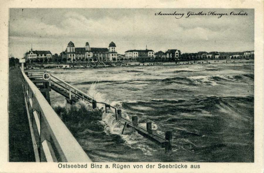 Ostseebad Binz a Rügen von der Seebrücke aus