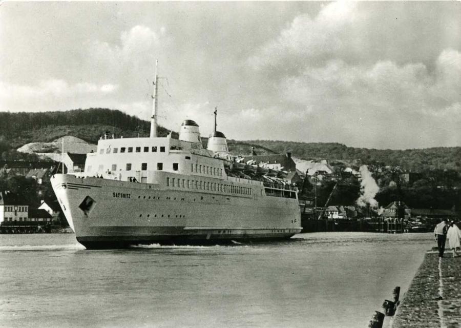 Ostseestadt Saßnitz Eisenbahnfährschiff Assnitz 1959