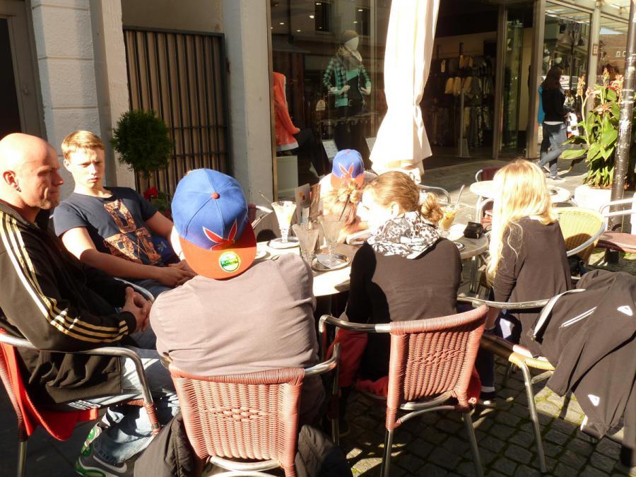Gemeinsames Kaffeetrinken in der Königstraße Stuttgart