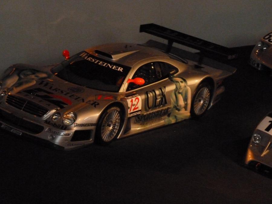 DTM-Modellauto im Mercedes-Benz-Museum Stuttgart
