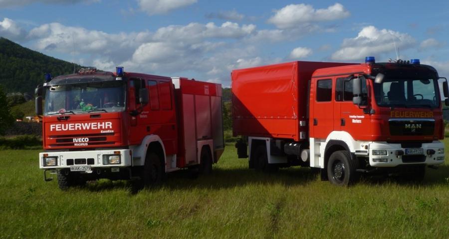 Löschgruppenfahrzeug (LF) und Gerätewagen Logistik (GW-L) 2