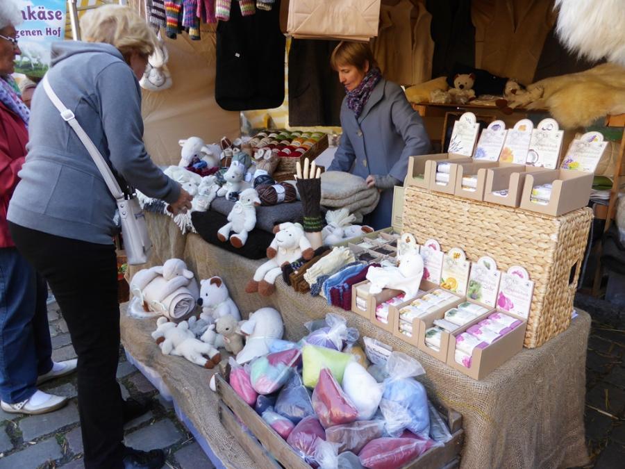 Markttreiben am Paulikloster