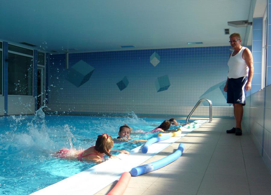 Kinderschwimmen (5. Lehrstunde)