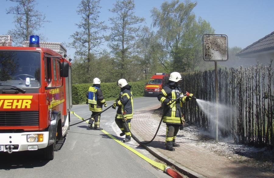 Löscharbeiten der Feuerwehr Seester