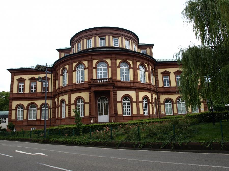 Saalbau Neustadt