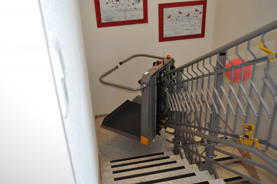 Plattformlift, 2x180° und 90°-Parkkurve, Innenanlage