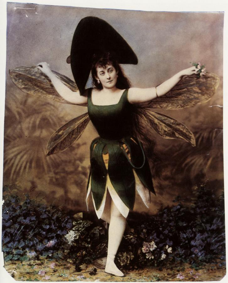 Bergamasco, Charles: Unbekannte Tänzerin am Großen Theater. St. Petersburg. Quelle zeno.org
