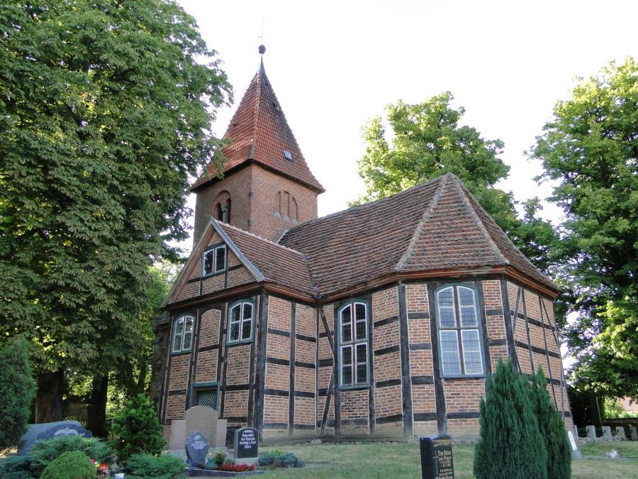 Kirche in Breesen