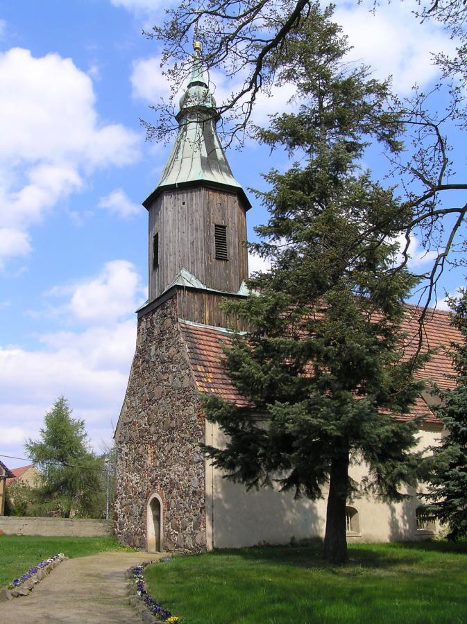 Kirche in Pitschen-Pickel