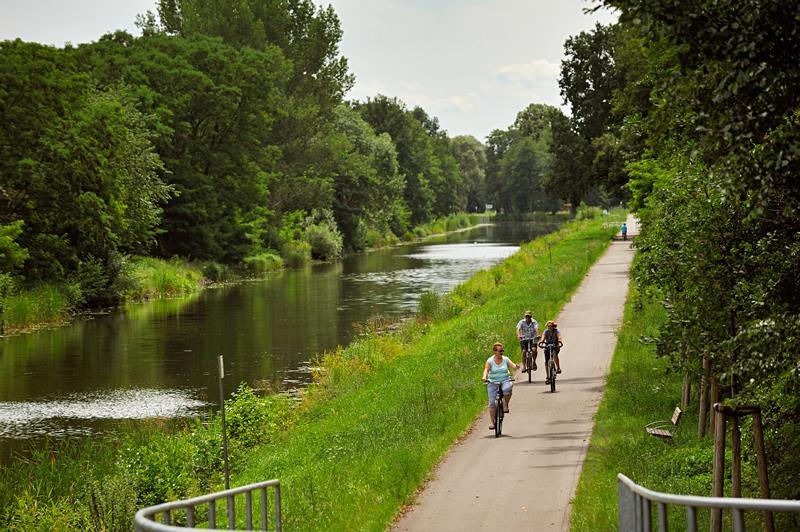 Radfahren am Oranienburger Kanal (Foto: Frank Liebke)