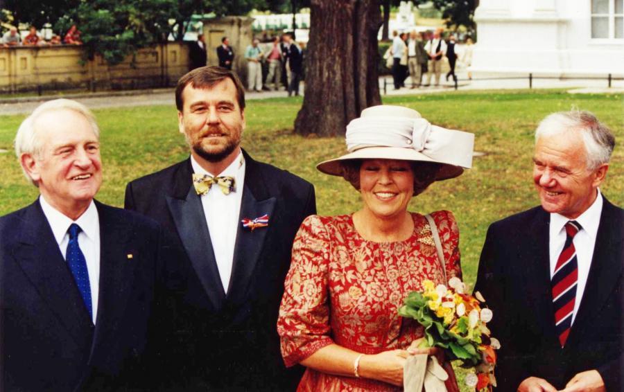 Eröffnung des renovierten Oranienburger Schlosses 1999 mit Königin Beatrix der Niederlande (Foto: Jurisch)