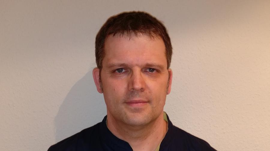 Dr. R. Berndt
