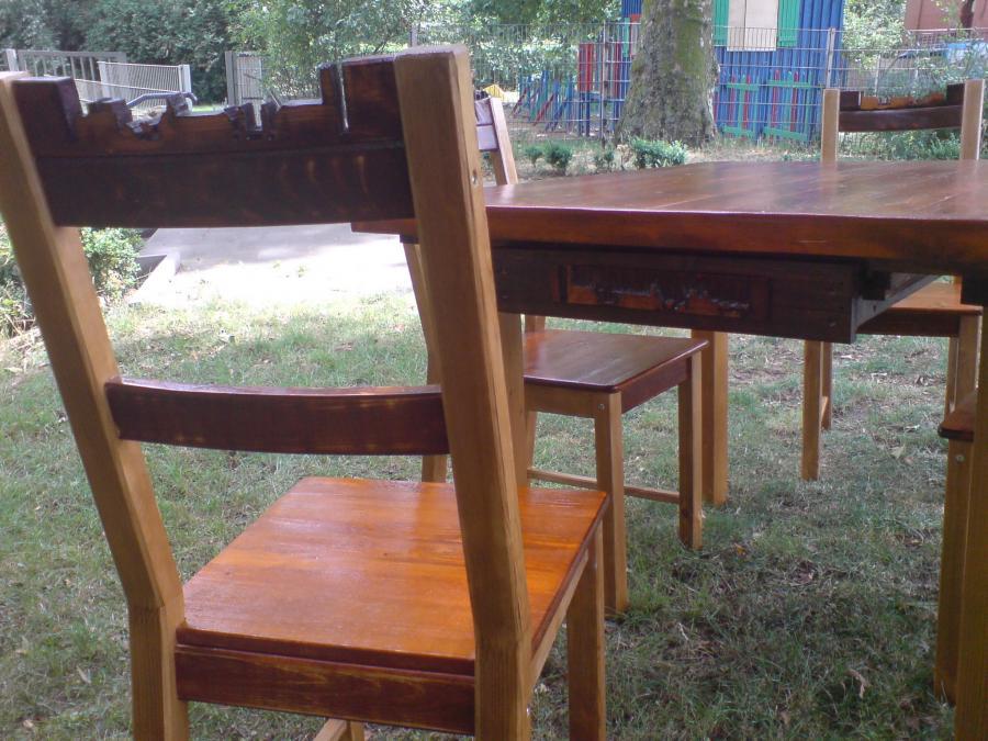 Stuhlgruppe_Reliefgruppe3